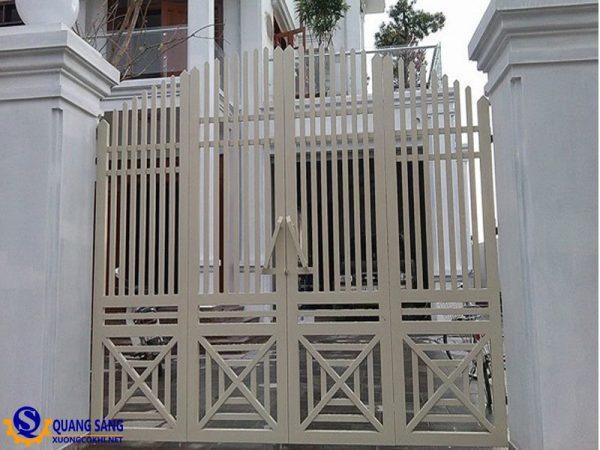 Cổng sắt Quang Sáng MCS-04