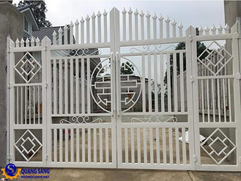 Cổng sắt Quang Sáng MCS-09