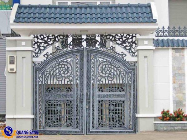 Cổng sắt Quang Sáng MCS-11