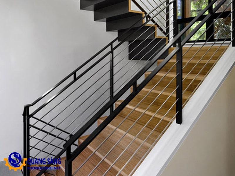Cầu thang sắt Quang Sáng CTS-01