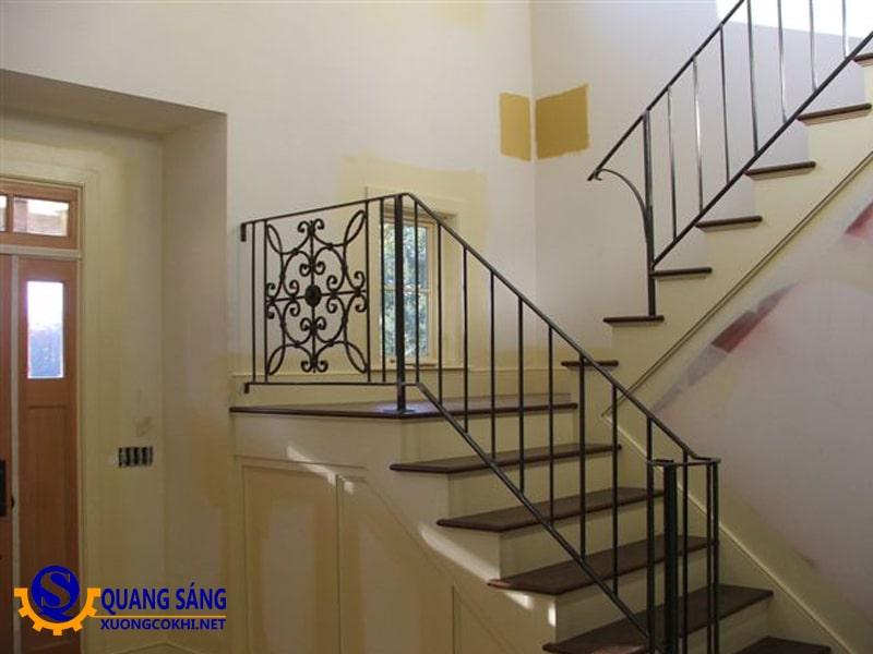 Cầu thang sắt Quang Sáng CTS-13