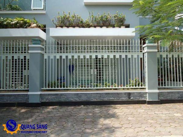 Hàng rào sắt Quang Sáng HRS-03