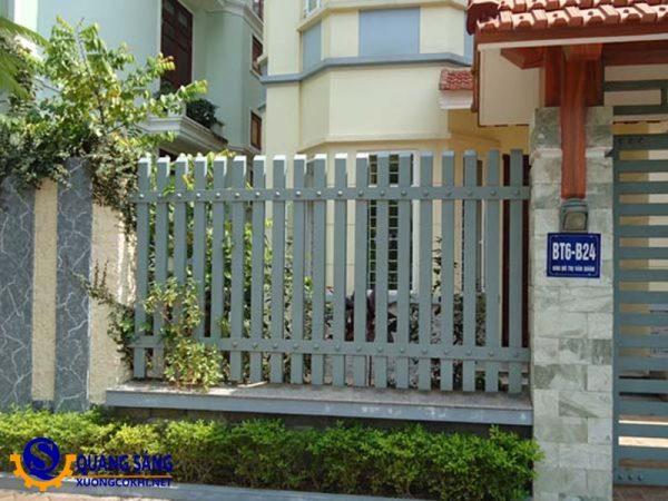 Hàng rào sắt Quang Sáng HRS-04