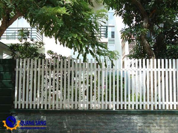 Hàng rào sắt Quang Sáng HRS-11