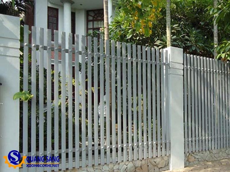 Hàng rào sắt Quang Sáng HRS-12