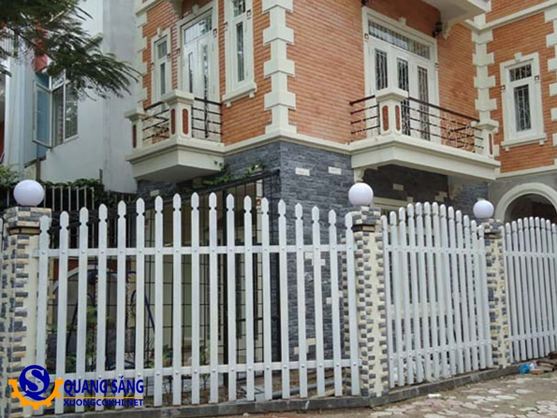 Hàng rào sắt Quang Sáng HRS-13