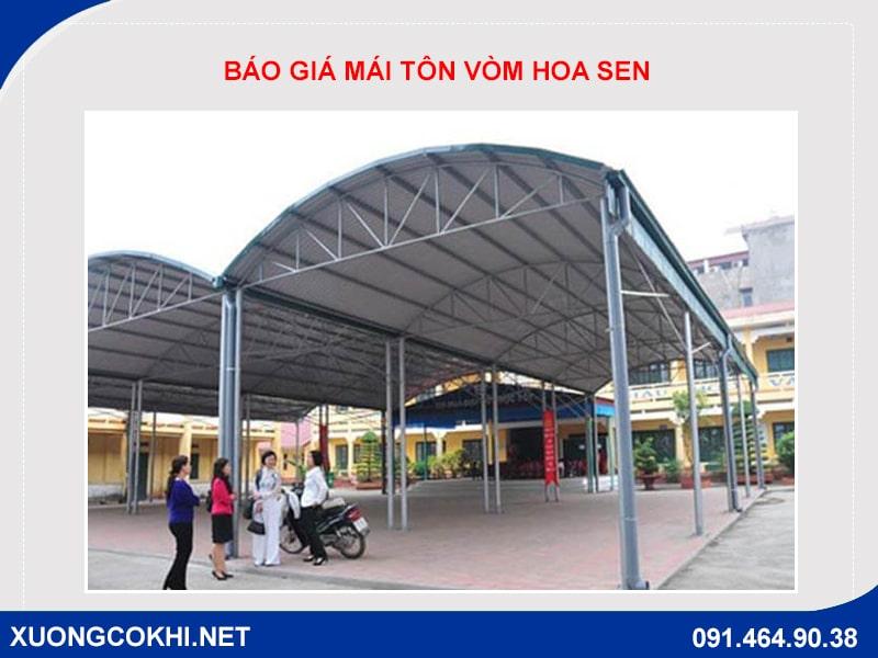 Báo giá thi công mái tôn vòm Hoa Sen